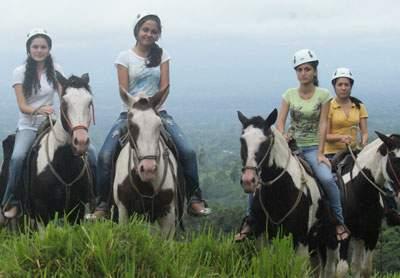 HorsebackRidinginJaco